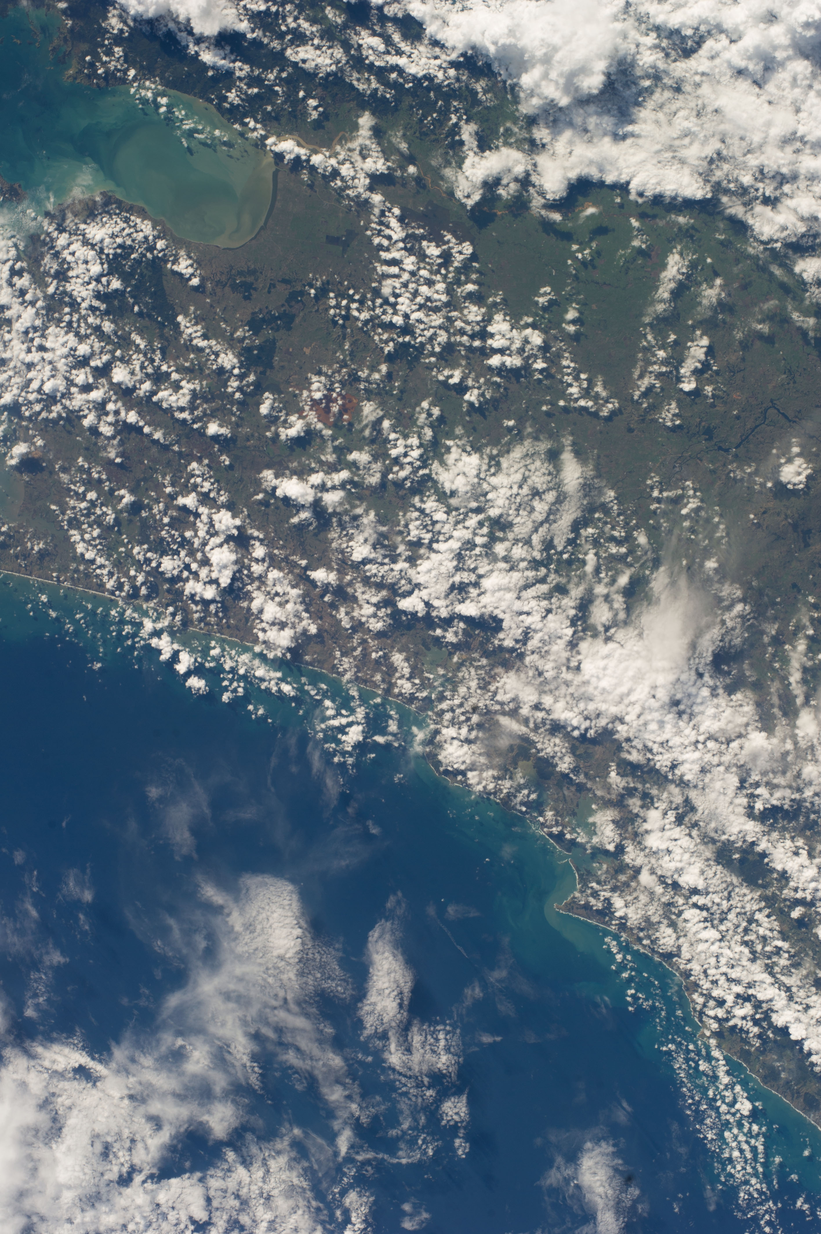 ISS039-E-012863