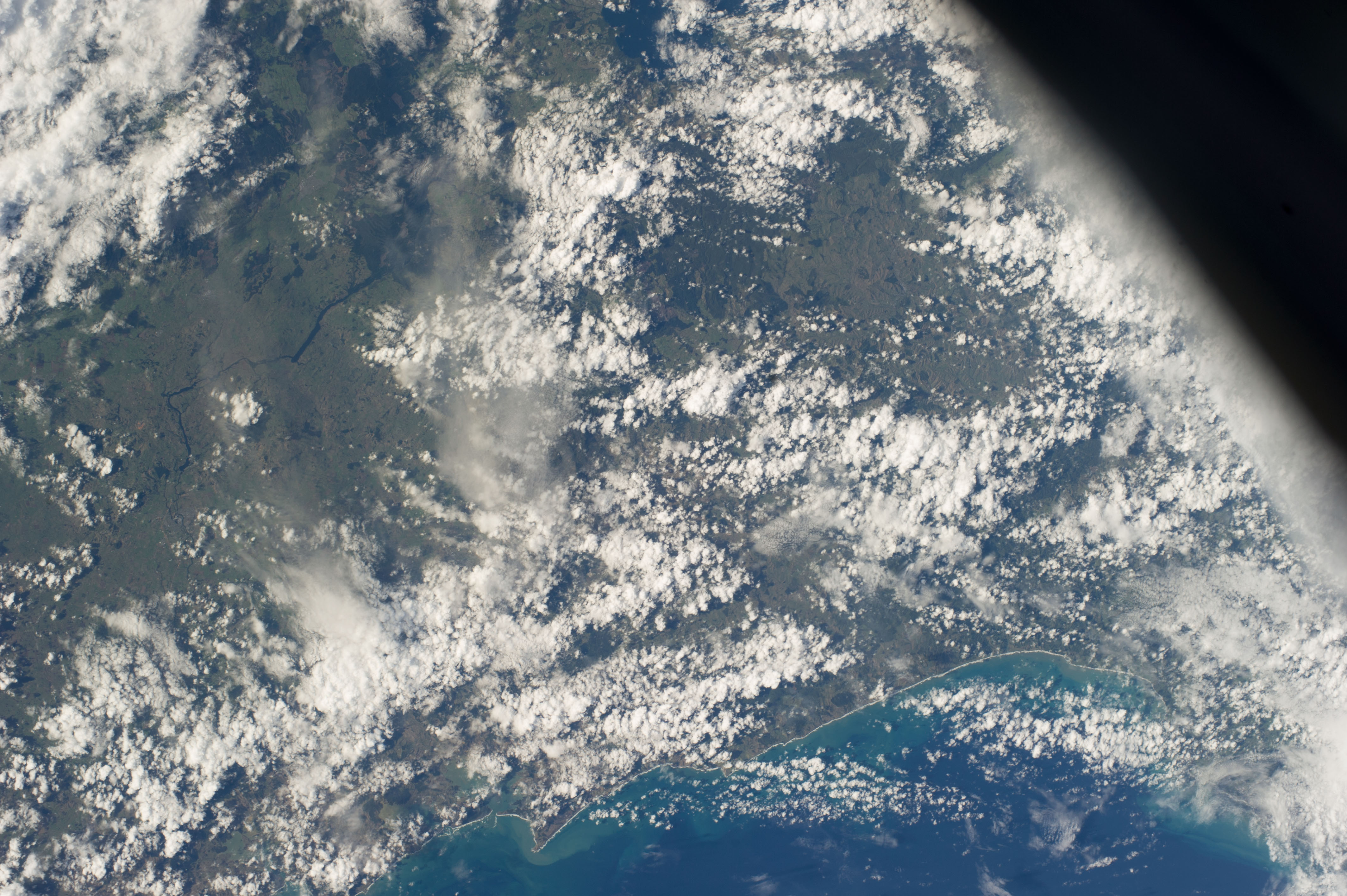ISS039-E-012865
