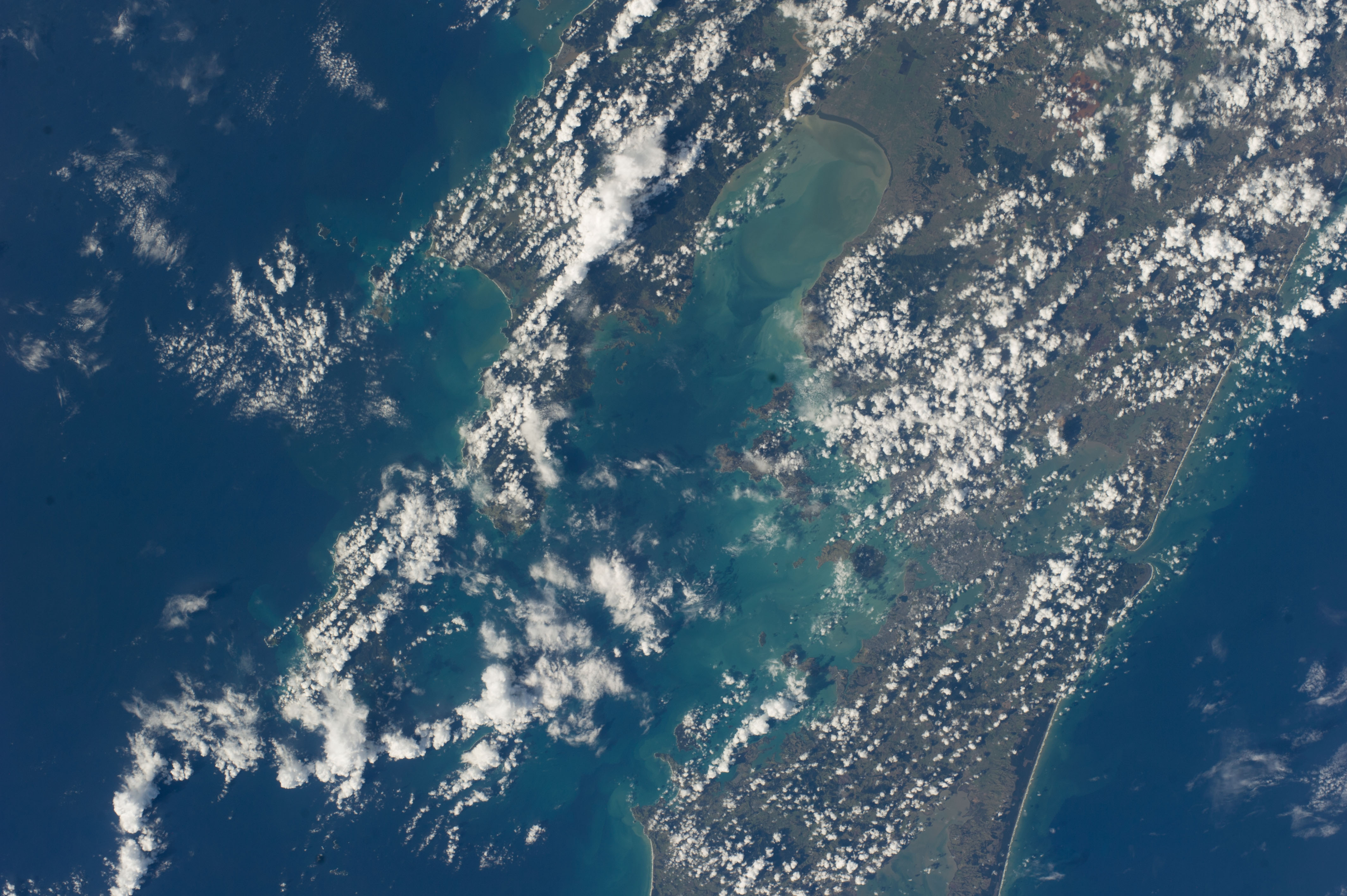 ISS039-E-012868