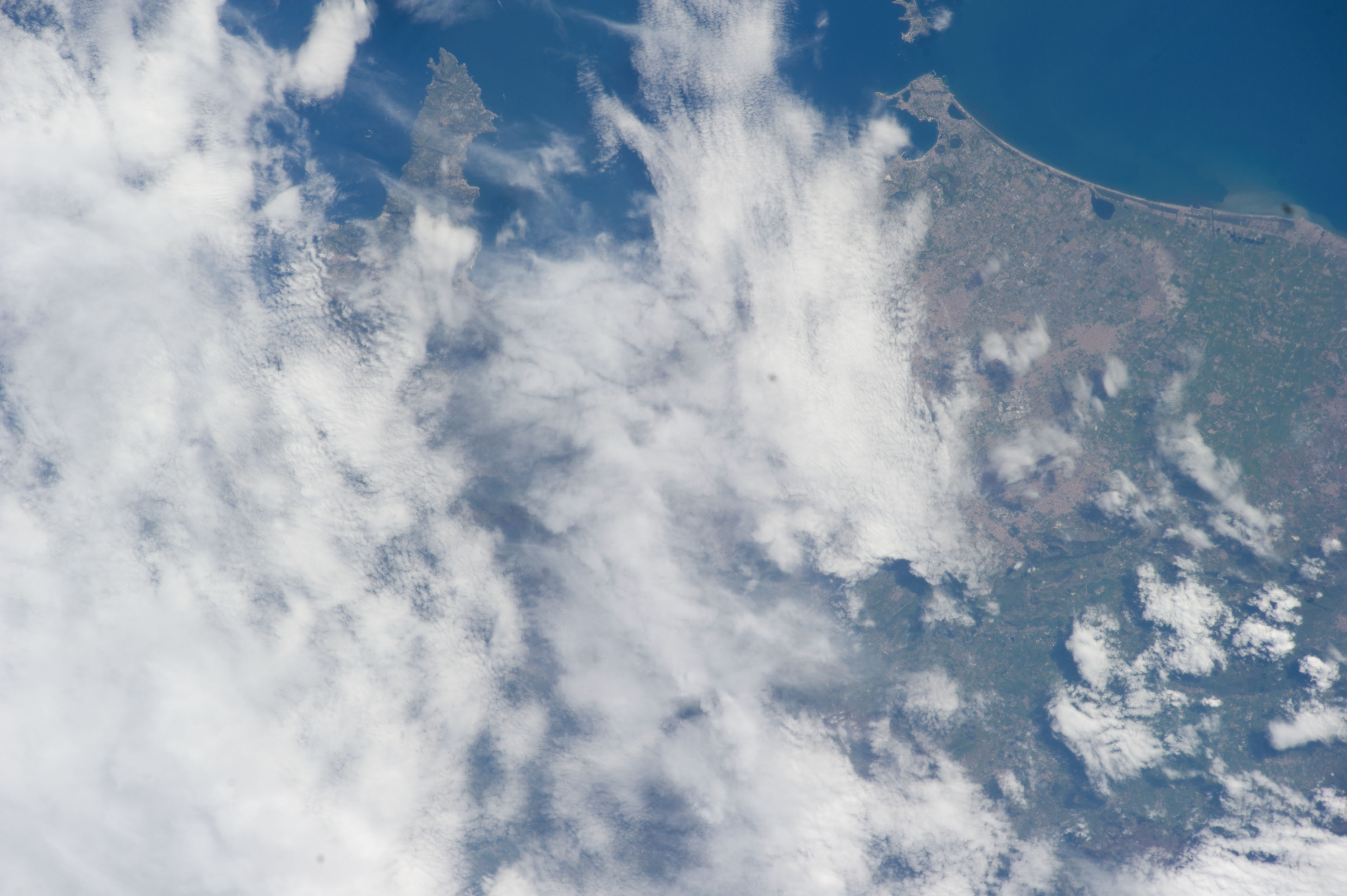 ISS039-E-013076