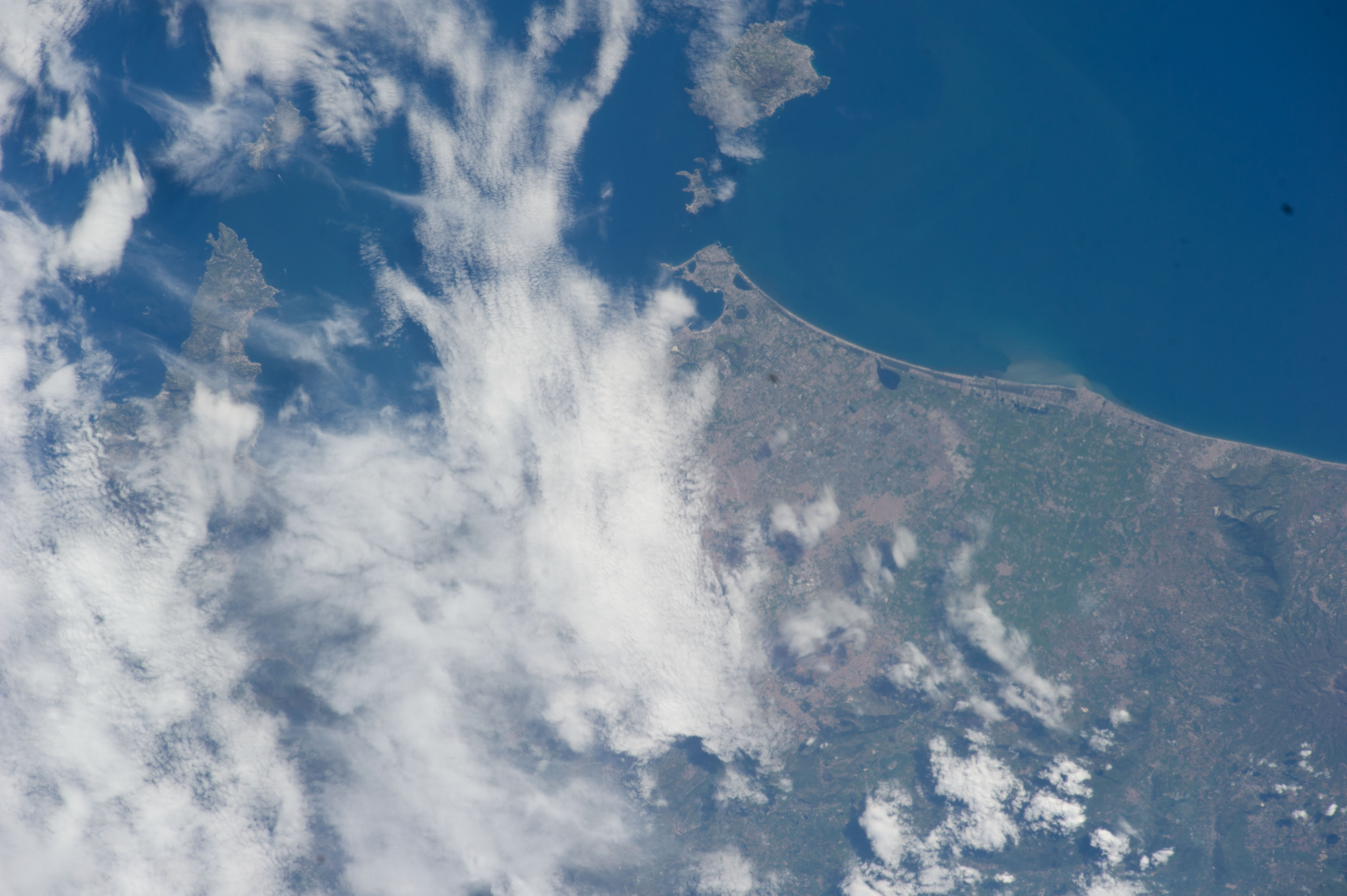 ISS039-E-013077